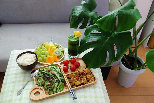 Chàng trai Việt mang di ảnh bố mẹ đi khắp nước Nhật lộ tài nấu nướng đẳng cấp: Đưa đồ ăn đơn giản lên '5 sao' - ảnh 18