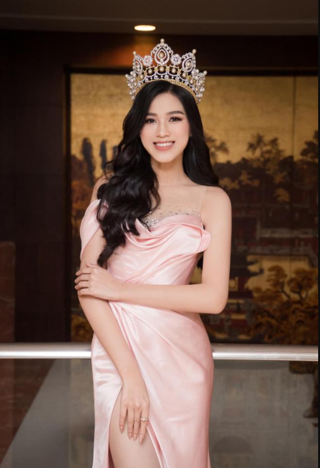 Hoa hậu Đỗ Hà 'xả vai' thành cô nữ sinh 2K1: Nhan sắc còn long lanh như ảnh tự đăng? - ảnh 4