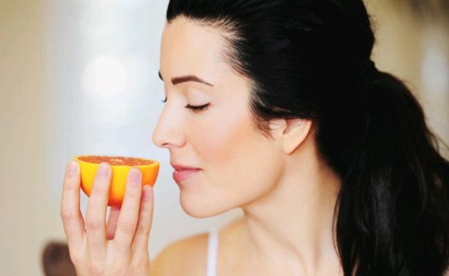 Bất ngờ với cách tự kiểm tra có mắc Covid-19 hay không: Ngửi mùi 2 loại thực phẩm phổ biến - Ảnh 6.