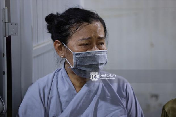 Tang lễ cố diễn viên Hải Đăng: Vợ sắp cưới gần như ngã quỵ, không rời thi hài nửa bước, bố mẹ lặng người bên quan tài con trai - Ảnh 7.