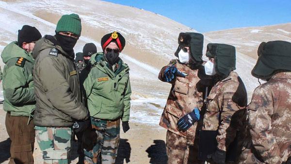 Trung Quốc rút 140 xe tăng, 7.000 binh sĩ khỏi biên giới Ấn Độ - Israel họp khẩn về Syria, đe dọa hành động quân sự với Iran - Ảnh 1.