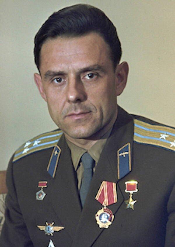 Cái chết thương tâm của nhà du hành Liên Xô rơi từ vũ trụ - ảnh 1