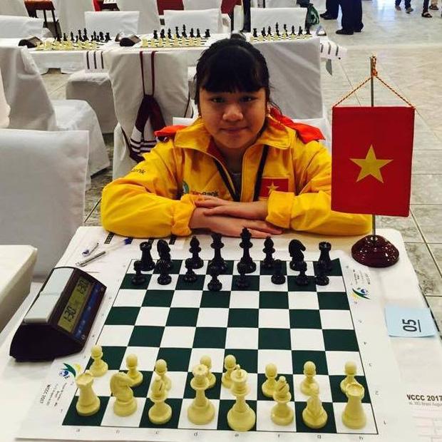 Nữ sinh lớp 10 vô địch cờ vua thế giới: Tự bắt xe khách vượt 200km đi học thêm từ lớp 3, lột xác ngoạn mục khi giảm liền 9 kg! - ảnh 4