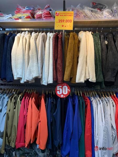 Nhiều hãng thời trang, cửa hàng thi nhau 'xả hàng', giảm giá 80%... khách vẫn thờ ơ - Ảnh 13.