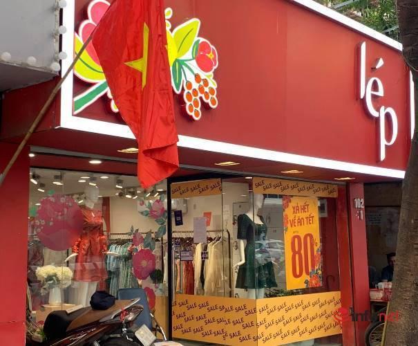 Nhiều hãng thời trang, cửa hàng thi nhau 'xả hàng', giảm giá 80%... khách vẫn thờ ơ - Ảnh 6.