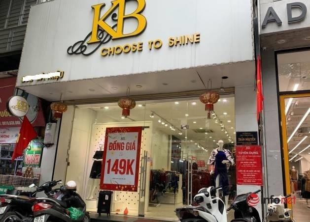 Nhiều hãng thời trang, cửa hàng thi nhau 'xả hàng', giảm giá 80%... khách vẫn thờ ơ - Ảnh 7.