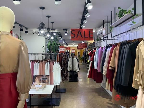 Nhiều hãng thời trang, cửa hàng thi nhau 'xả hàng', giảm giá 80%... khách vẫn thờ ơ - Ảnh 9.