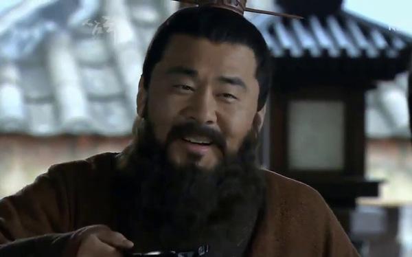Giúp Tào Ngụy thắng lớn trong trận Quan Độ kinh điển, lại là một nhân tài có tiếng, không ngờ nhân vật này có ngày bị Tào Tháo lấy đầu chỉ vì… cái miệng - Ảnh 4.