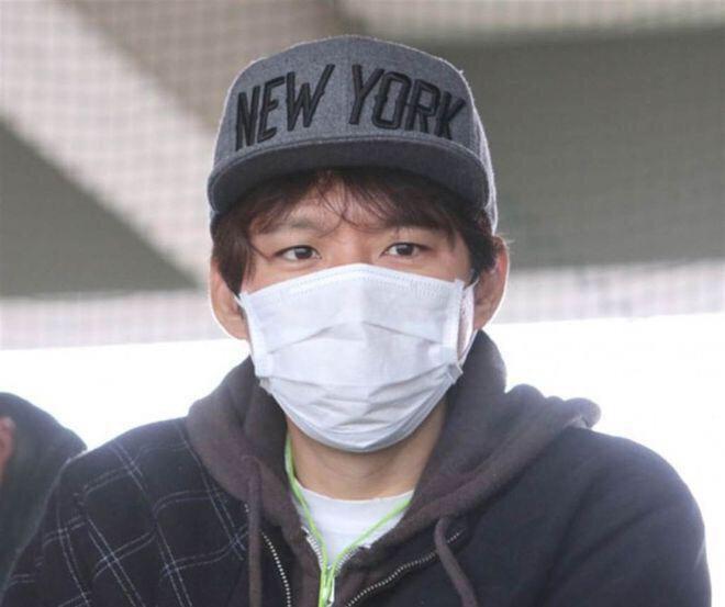 Ngoại tình 182 người, chồng sao Nhật đẹp nhất bị đuổi khỏi showbiz, phải mưu sinh ở chợ cá? - Ảnh 8.
