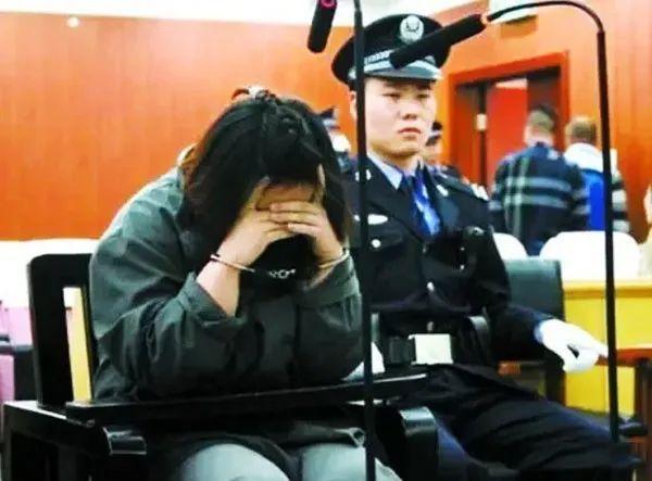 Vay tiền online không có khả năng trả, cô gái 25 tuổi giết hại mẹ rồi tự tử - Ảnh 1.