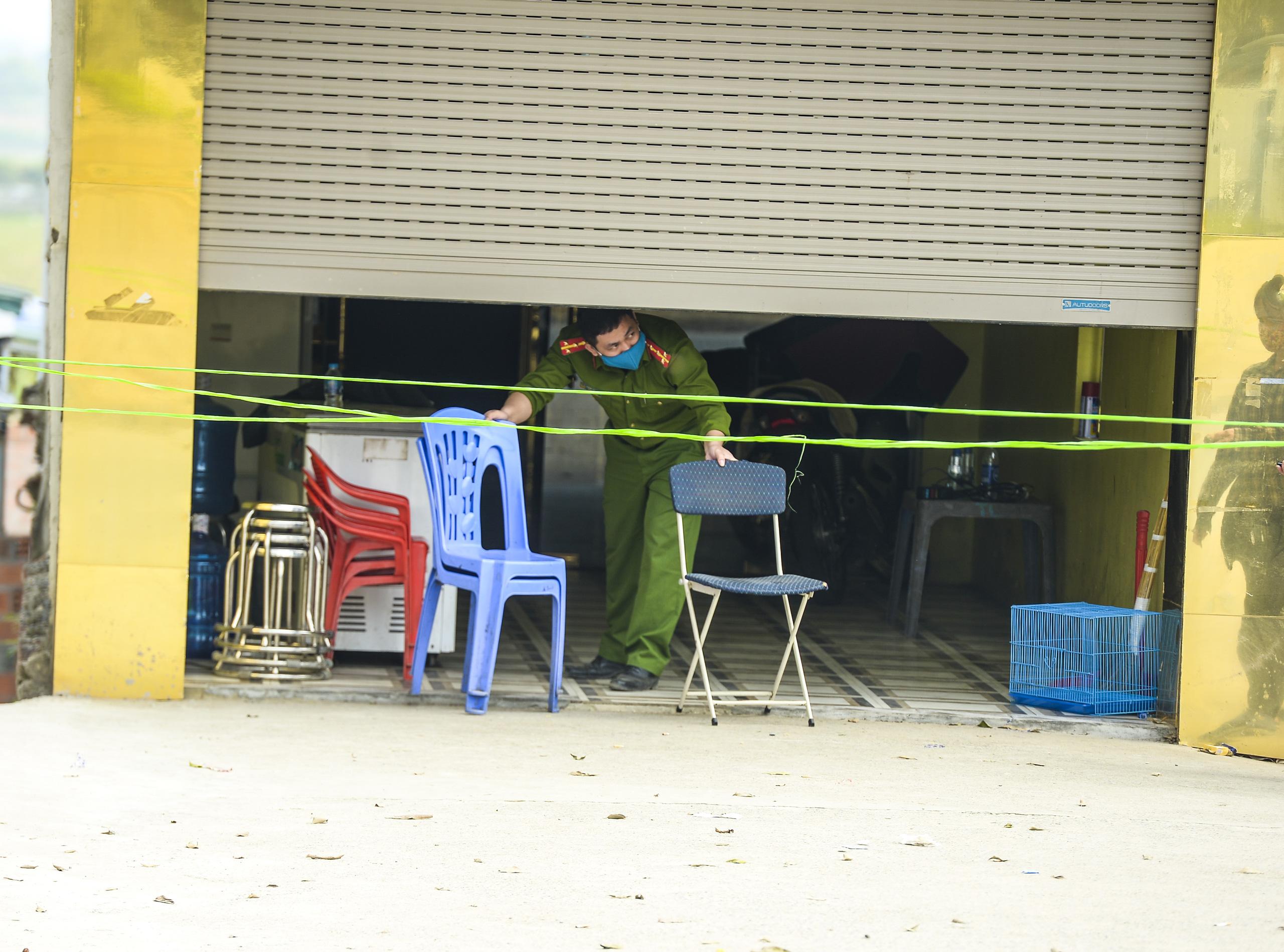 Hiện trường vụ truy sát 3 người chết, 5 người bị thương ở Hòa  Bình - Ảnh 13.
