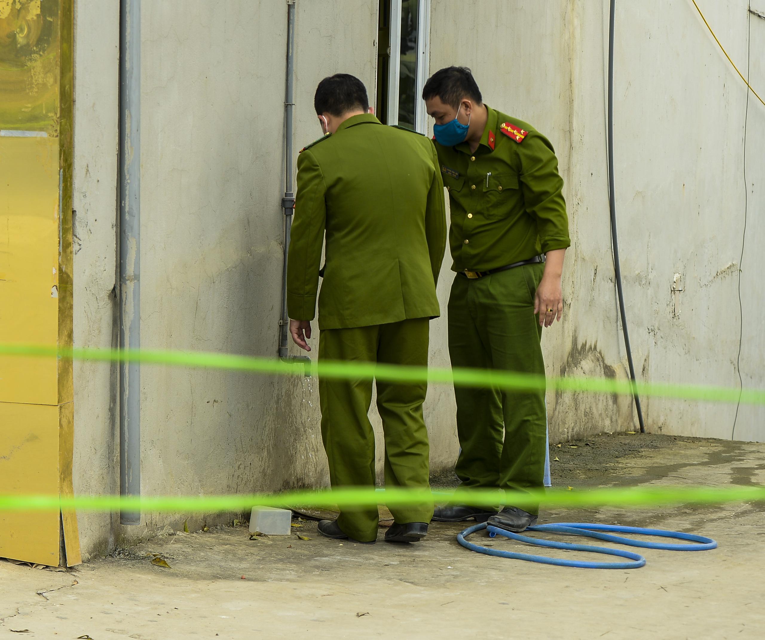 Hiện trường vụ truy sát 3 người chết, 5 người bị thương ở Hòa  Bình - Ảnh 7.