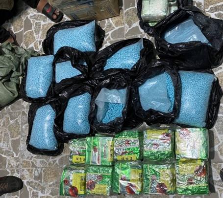 Phá 3 đường dây ma tuý từ Campuchia về TPHCM thu gần 220kg và nhiều viên đạn - Ảnh 1.