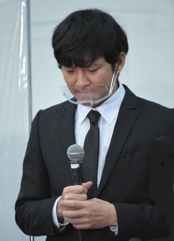 Ngoại tình 182 người, chồng sao Nhật đẹp nhất bị đuổi khỏi showbiz, phải mưu sinh ở chợ cá? - Ảnh 7.