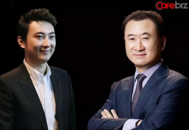 Vương Tư Thông (trái) và người cha tỷ phú Vương Kiện Lâm (phải)