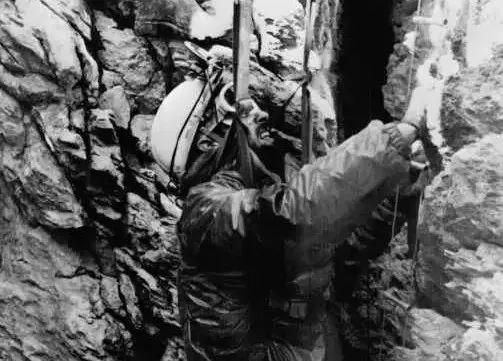 Thí nghiệm kỳ lạ trong hang động khiến nhân loại phải thay đổi lại cách nhìn nhận về đồng hồ sinh học trong cơ thể con người - Ảnh 13.