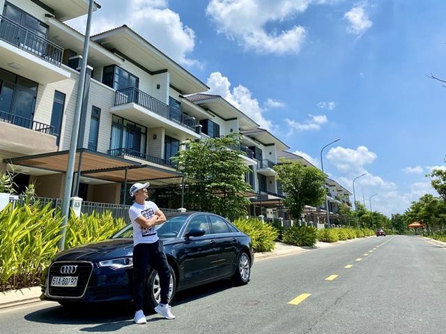 Đầu tư 20 tỷ vào chuỗi cầm đồ T99, Cao Thái Sơn là đại gia BĐS tiếng tăm của showbiz: Hỏi có bao nhiêu căn nhà như hỏi mình có bao nhiêu bài hát  - Ảnh 1.