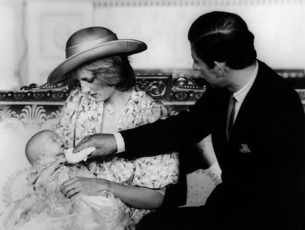 15 bức ảnh không thể quên của Công nương Diana suốt 15 năm chôn chân trong hôn nhân bi kịch: Hạnh phúc chẳng mấy mà sao khổ đau chất đầy? - Ảnh 6.
