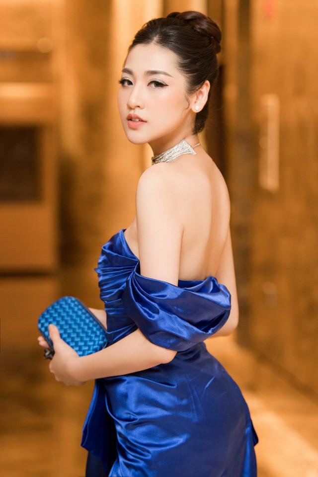 Top 3 HHVN 2012: Hoa hậu Đặng Thu Thảo và 2 á hậu đều có hôn nhân viên mãn - Ảnh 8.