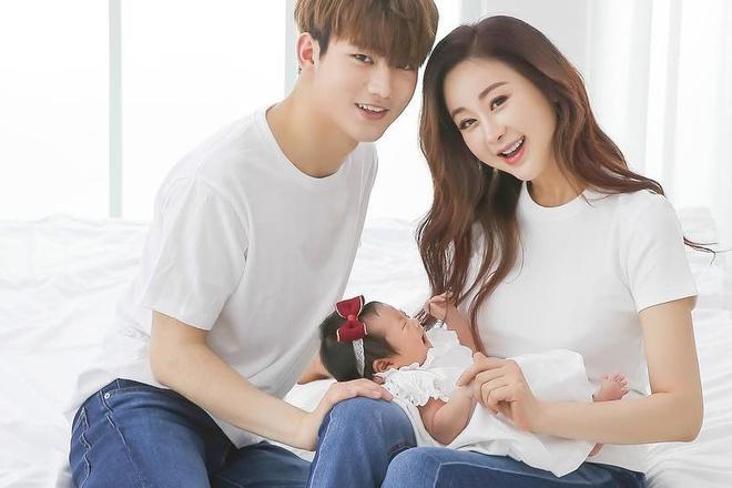 Cái kết đắng của mỹ nam lấy Hoa hậu Hàn hơn 18 tuổi: Bị vợ khinh thường, quản chặt như con - Ảnh 4.