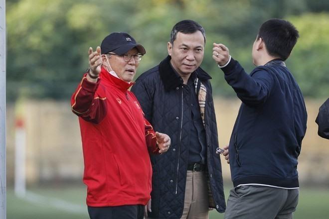 Trước nguy cơ đáng lo, bóng đá Việt có gì để giữ chân thầy Park? - Ảnh 2.