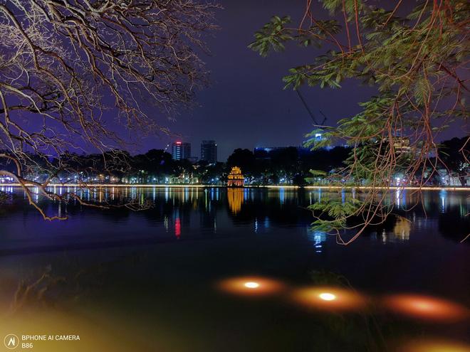 CEO BKAV Nguyễn Tử Quảng cho rằng Bphone B86 chụp đêm đẹp hơn smartphone hãng A và hãng G, nhưng liệu chúng ta có thể tin được không? - Ảnh 3.