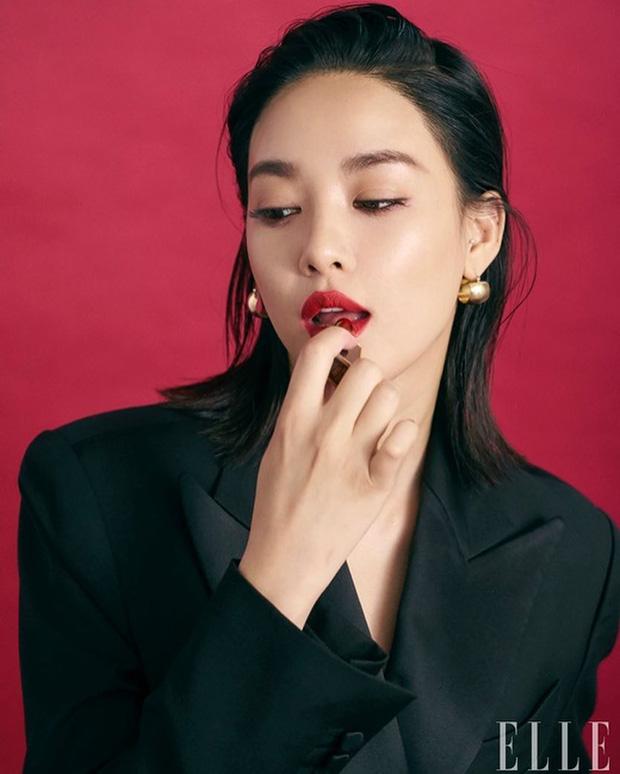 Nhan sắc dàn bạn gái quá hot của G-Dragon: Jennie át cả minh tinh Joo Yeon về độ sexy, 2 nàng thơ Nhật Bản khuynh đảo châu Á - Ảnh 26.