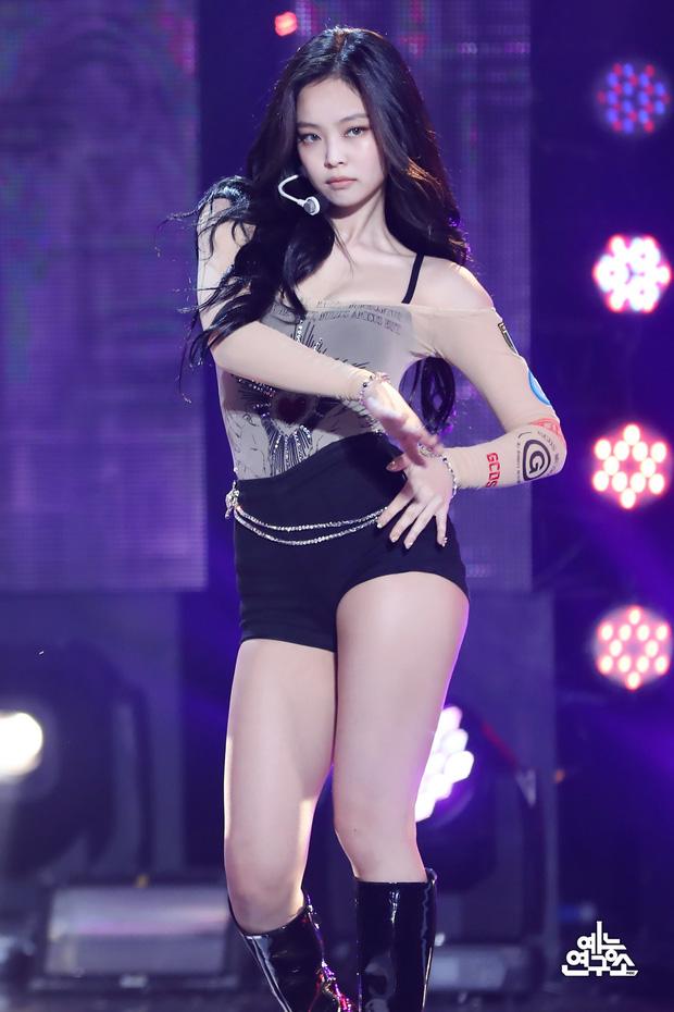 Nhan sắc dàn bạn gái quá hot của G-Dragon: Jennie át cả minh tinh Joo Yeon về độ sexy, 2 nàng thơ Nhật Bản khuynh đảo châu Á - Ảnh 39.
