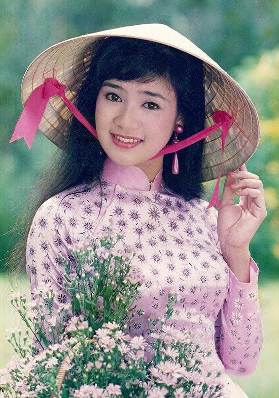 NSND Thu Hà: Nữ hoàng ảnh lịch thập niên 90 và cuộc sống kín tiếng tuổi 52 - Ảnh 2.