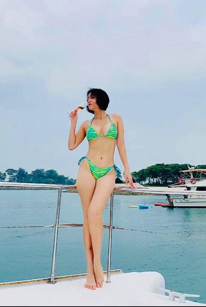Ảnh bikini nóng bỏng, gây chú ý ở độ tuổi U50 của Thu Minh - Ảnh 2.