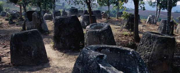 Cuối cùng đã giải mã được một bí ẩn trong hàng ngàn chiếc chum của người chết tại đất nước sát cạnh Việt Nam - Ảnh 1.