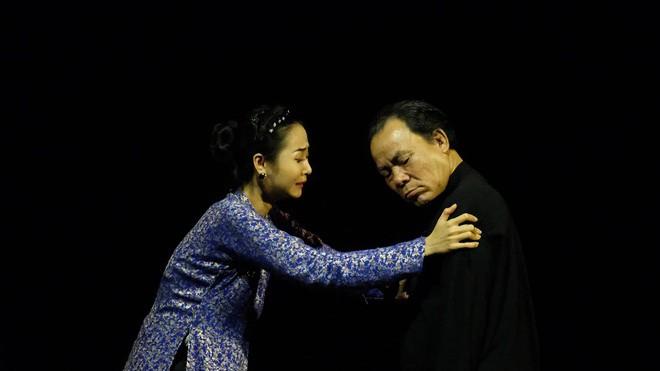 Diễn viên Phương Bình: Không đủ tiền mua vé xe đò về thăm vợ, đau xót vì con suýt mù - Ảnh 5.