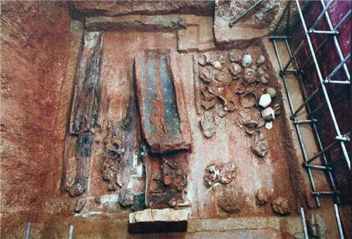 Kho báu cực khủng trong lăng mộ cổ và cái kết không ngờ đến của kẻ đào mộ - ảnh 8
