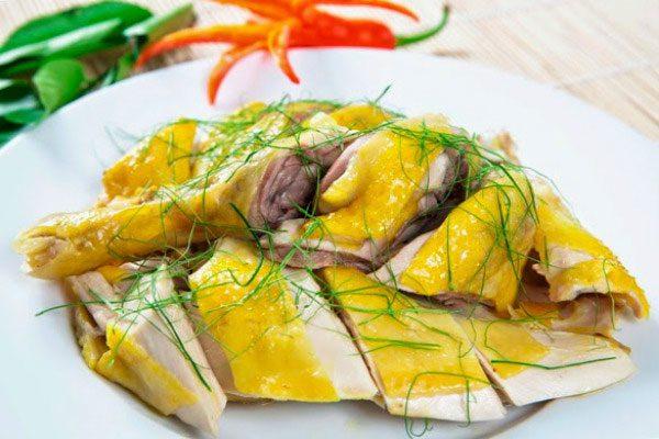 Cách nấu gà ngày Tết của người Việt hóa ra là cách tốt cho sức khỏe nhất: Chuyên gia chỉ cách cải tiến món gà luộc - Ảnh 1.
