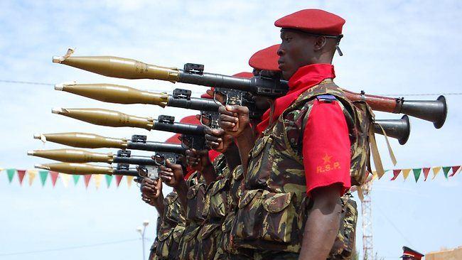 Các cuộc đảo chính quân sự làm chấn động thế giới 10 năm qua - Ảnh 4.