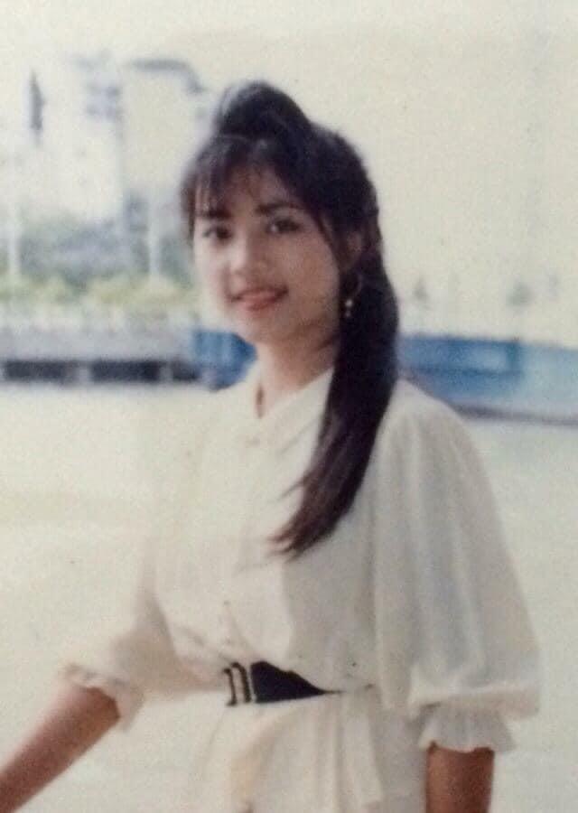 Khoe mẹ đẹp như hoa hậu, cô gái chia sẻ ảnh bà thời trẻ khiến dân mạng phải trầm trồ - Ảnh 9.