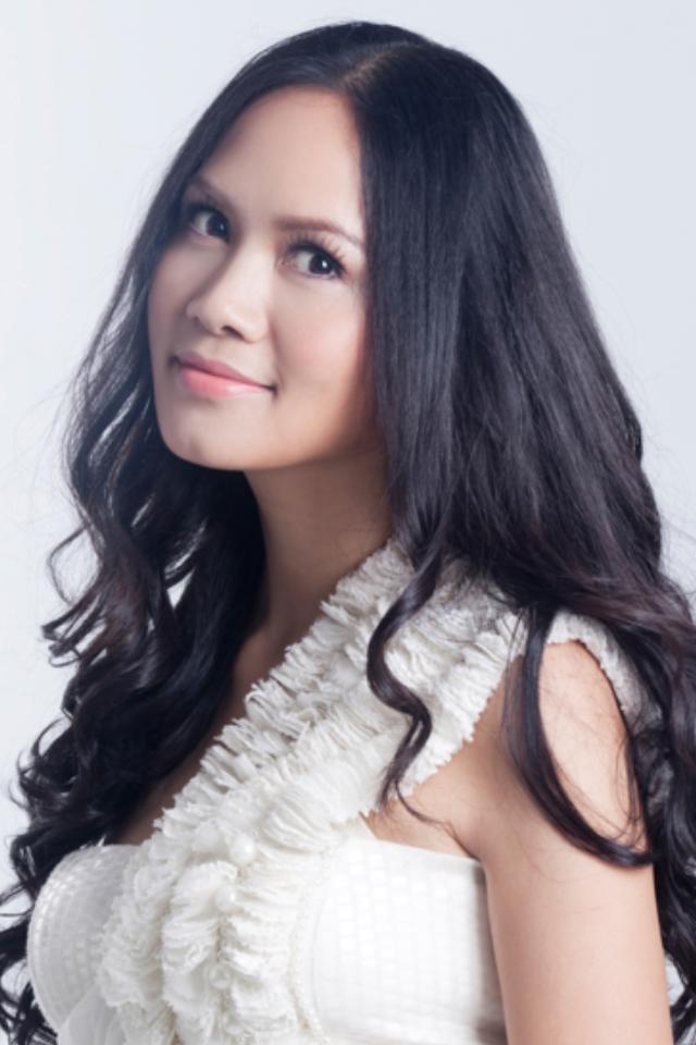 Nữ hoàng nhạc phim Việt Nam: Đẹp mặn mà ở tuổi 46, lấy chồng nổi tiếng lớn hơn 17 tuổi - Ảnh 4.