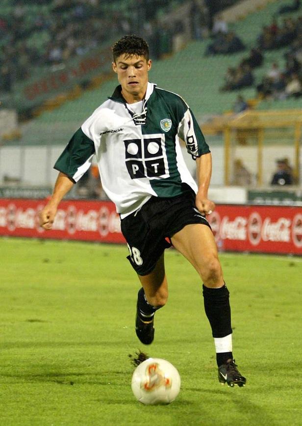 Ronaldo tuổi 36: Hành trình từ cậu bé nghèo đến triệu phú thể thao - Ảnh 6.