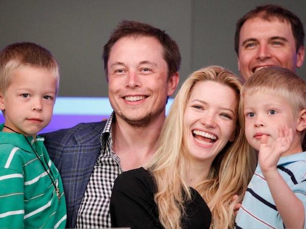 Tỷ phú giàu thứ 2 thế giới Elon Musk tiết lộ cách đặc biệt để nuôi dạy 6 người con - Ảnh 2.