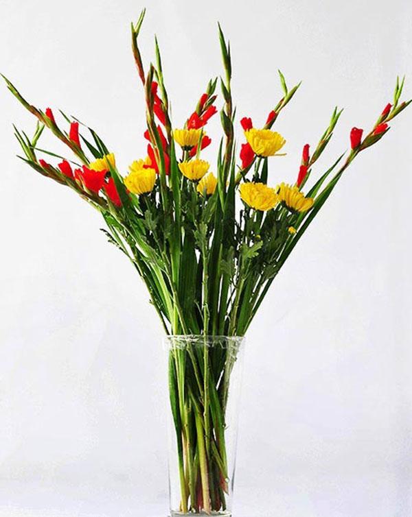 5 loại hoa cắm bàn thờ dịp Tết hút tài lộc, may mắn trong năm mới - Ảnh 4.