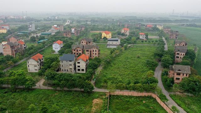 Hàng loạt dự án ôm đất bỏ hoang ở Hà Nội lại vào tầm ngắm - Ảnh 1.