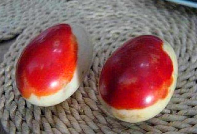Người nông dân lên núi đào măng, vô tình đào được 2 quả trứng màu đỏ máu: Chuyên gia khảo cổ tìm đến tận nhà! - Ảnh 3.