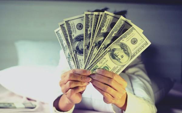 Sự tự tin của người trưởng thành đến từ sự tích luỹ của cải: Sau 35 tuổi, số dư trong tài khoản quyết định bạn cúi hay ngẩng đầu... - Ảnh 1.