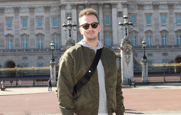 """Báo Anh phỏng vấn nhanh: Dân Anh nghĩ gì về việc vợ chồng Harry thẳng tay """"dội bom"""" vào gia tộc, khiến Hoàng gia khủng hoảng cục bộ? - Ảnh 11."""