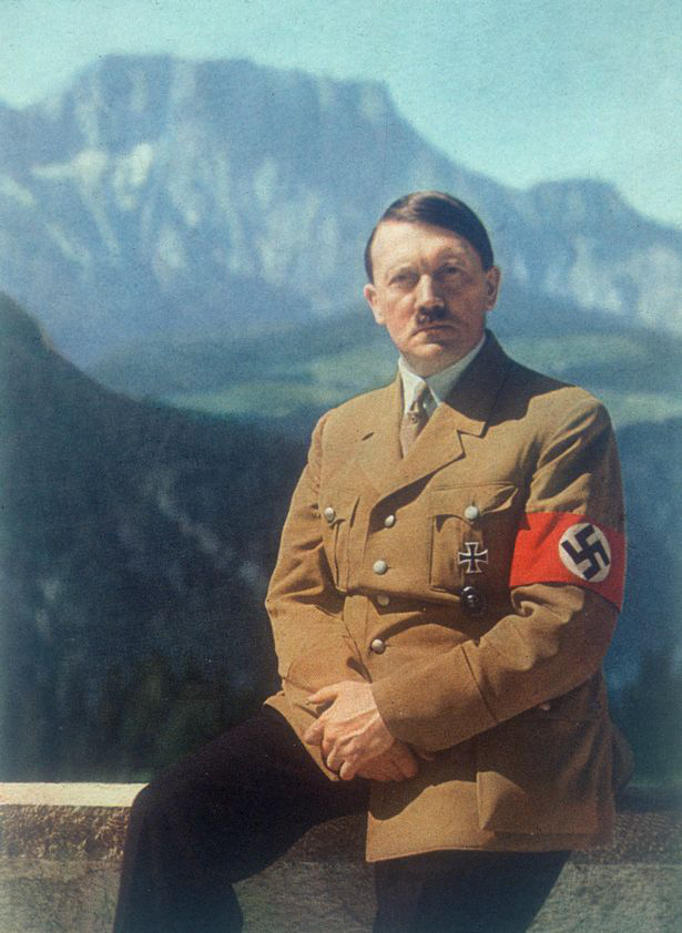 Hitler thật sự đã trốn thoát bằng cách... phẫu thuật thẩm mỹ? - ảnh 4
