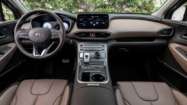 Lộ diện Hyundai Santa Fe 2021 trên đường vận chuyển tại Việt Nam: Khả năng là xe thương mại sắp ra mắt, đáp trả Kia Sorento - Ảnh 4.