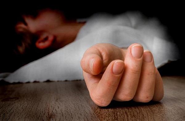 Bà mẹ trẻ đột ngột tử vong khi đang ngủ, nguyên nhân xuất phát từ vật dụng bất cứ ai cũng có - Ảnh 1.