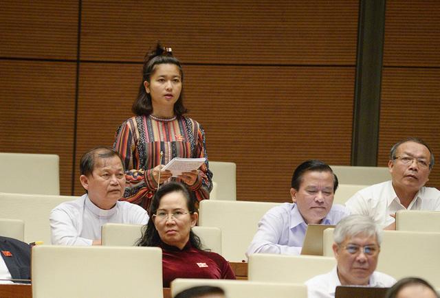 Nữ đại biểu Quốc hội Ksor H'Bơ Khăp không tái ứng cử khoá XV, muốn chuyên tâm phục vụ ngành công an - Ảnh 2.