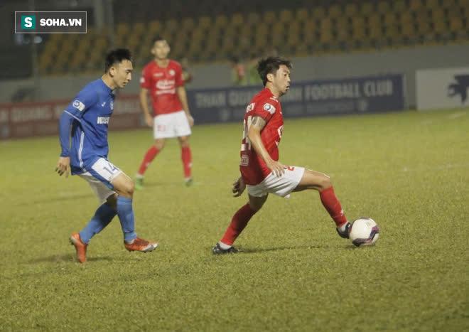 """Ghi bàn """"kết liễu"""" CLB của Lee Nguyễn, tiền vệ V.League nhận tin vui từ trợ lý thầy Park - Ảnh 1."""