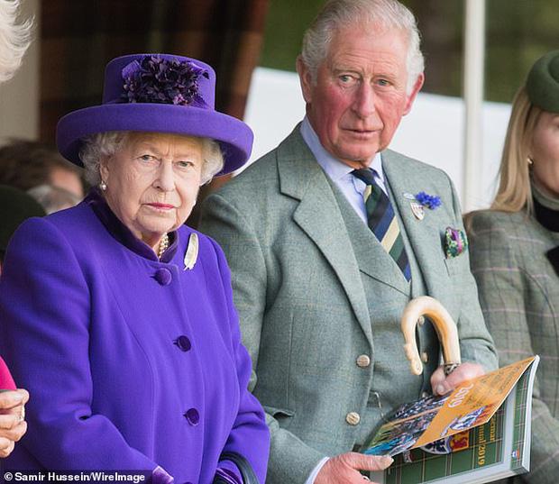 """Hoàng gia Anh tuyên bố mở cuộc điều tra Meghan Markle không nhân nhượng, tiếp tục """"hiệp đấu"""" mới khiến tình hình thêm căng thẳng - Ảnh 2."""